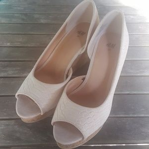 H&M Light Pink/Peach Wedges